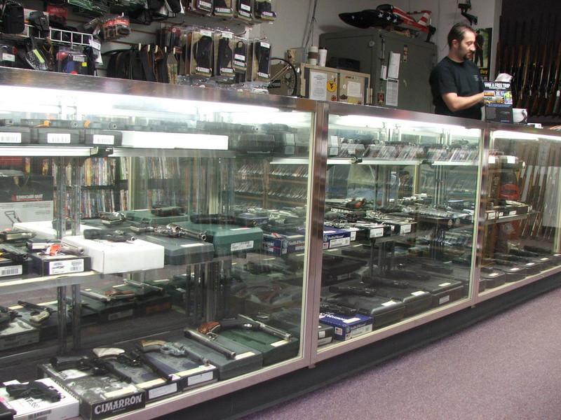 Handgun Showcases